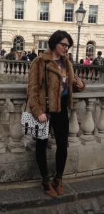 london fashion week fille avec fourrure