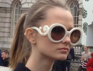 london fashion week fille lunette face