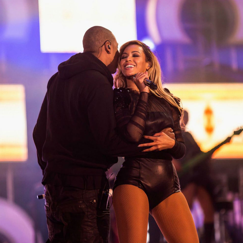jay-z-featuring-beyonce-part-ii-on-the-run-1