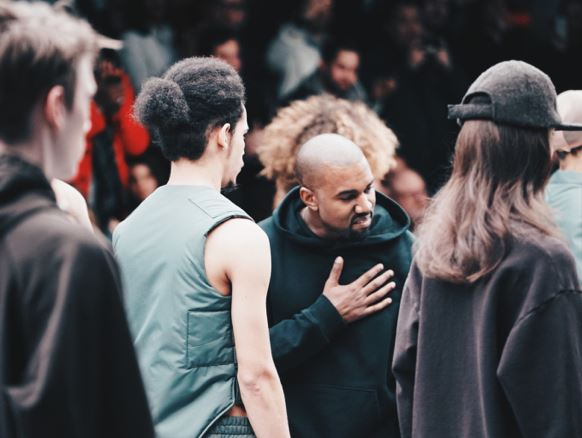 KANYE WEST PRESENTE SA NOUVELLE COLLECTION