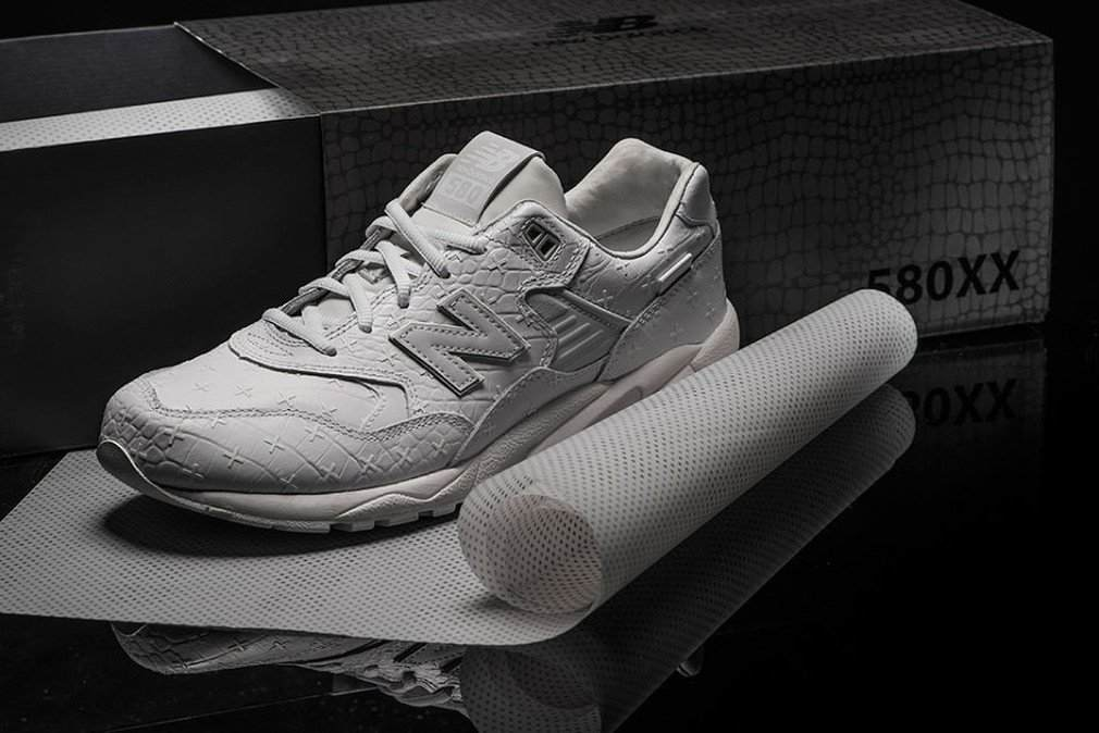 New-Balance-MRT580XX-All-White-Special-Edition-