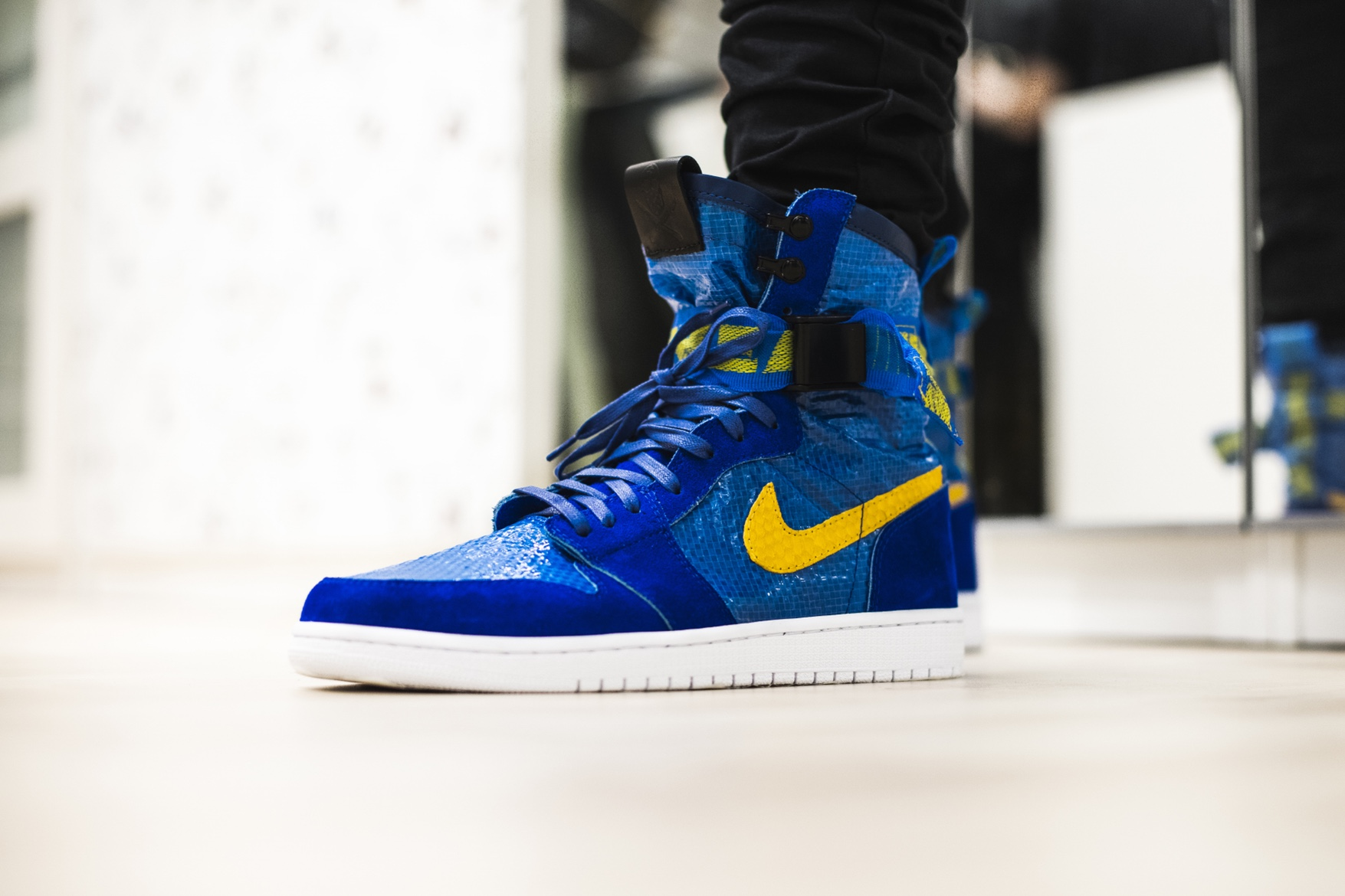 http-hypebeast.comimage201705the-shoe-surgeon-air-jordan-1-ikea-custom-pack-02