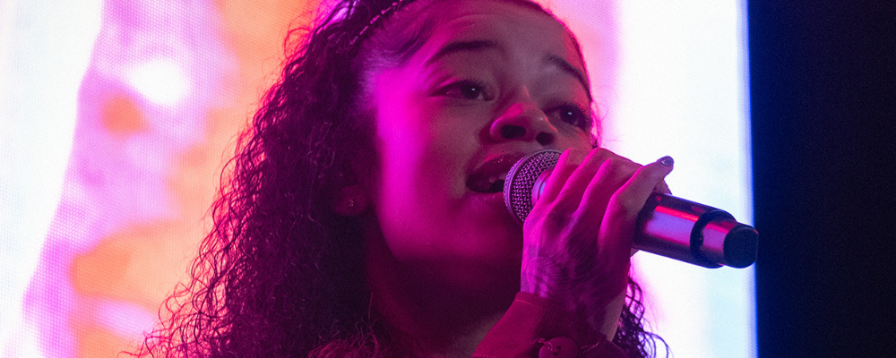 LIVE REPORT : 10 SUMMERS PRESENT THE DEBUT TOUR WITH ELLA MAI- PARIS [14.01]